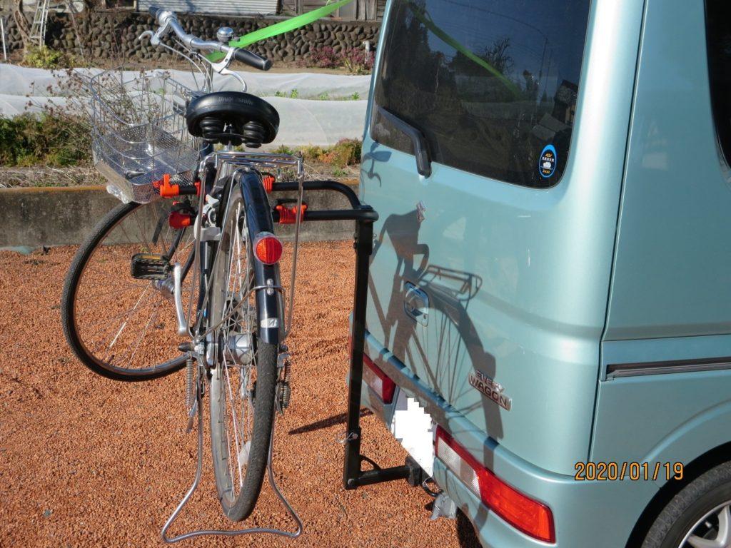 ヒッチメンバーにサイクルキャリアを設置