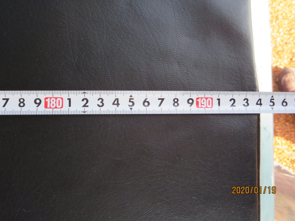 エブリィワゴンのマットレス自作 運転席のシートは一番前までスライドさせた状態 +自作マットレス敷設 の寸法