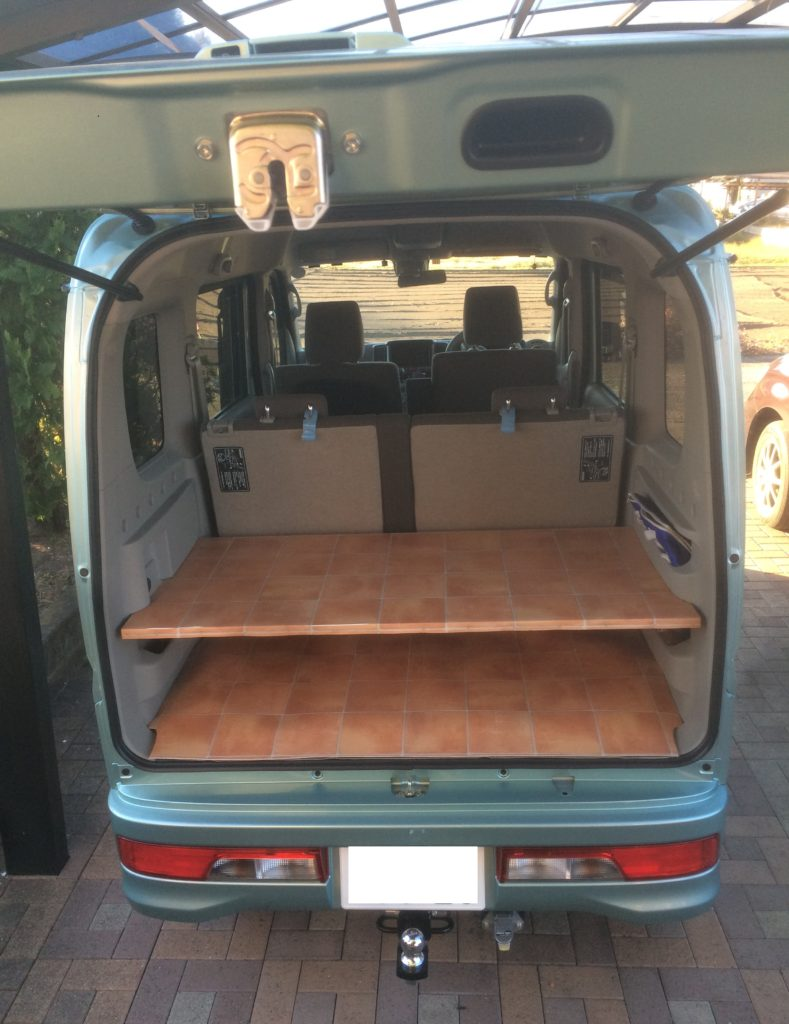 エブリィワゴンの荷台のラッゲージボードステーの板自作