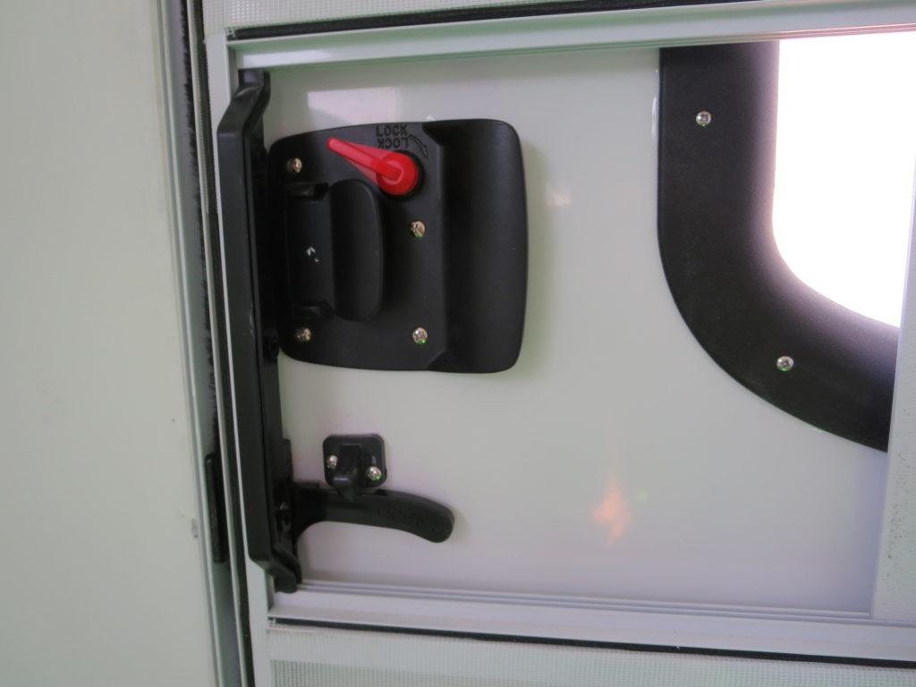 幌馬車くんのドア