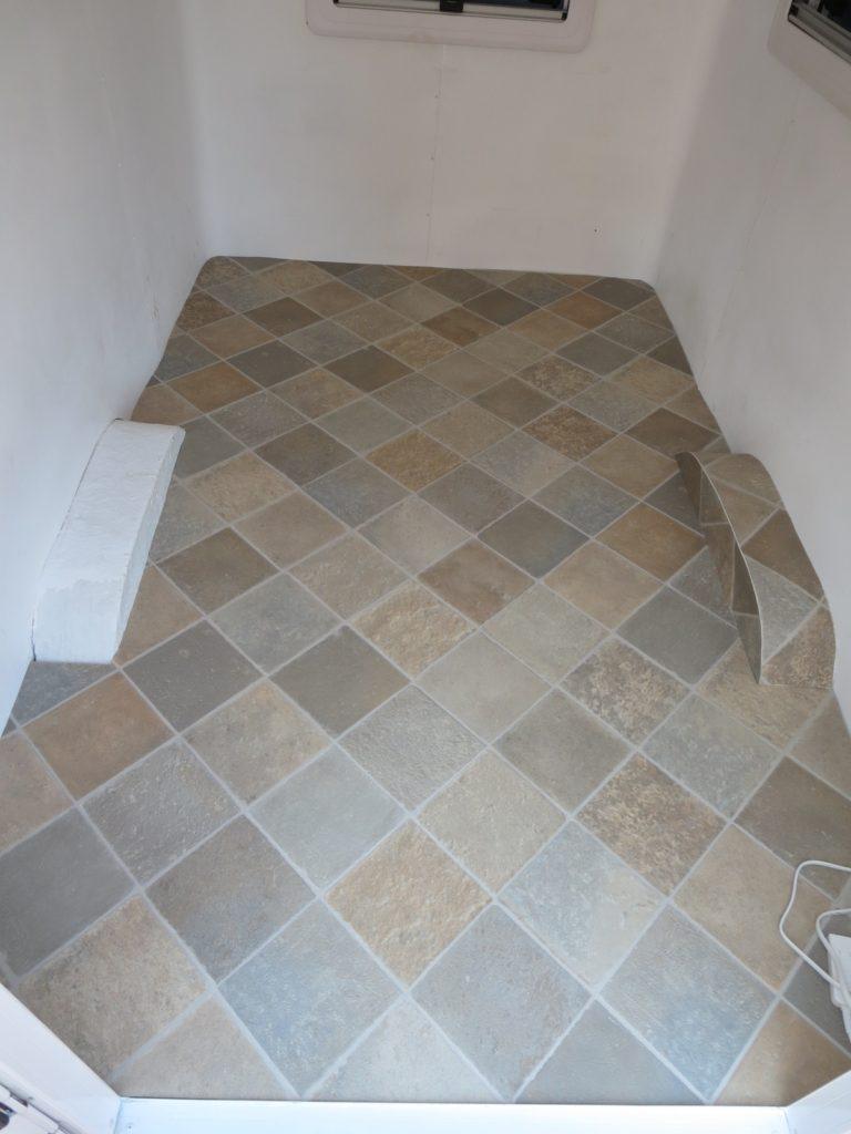 幌馬車くんの床のフロアマット敷き