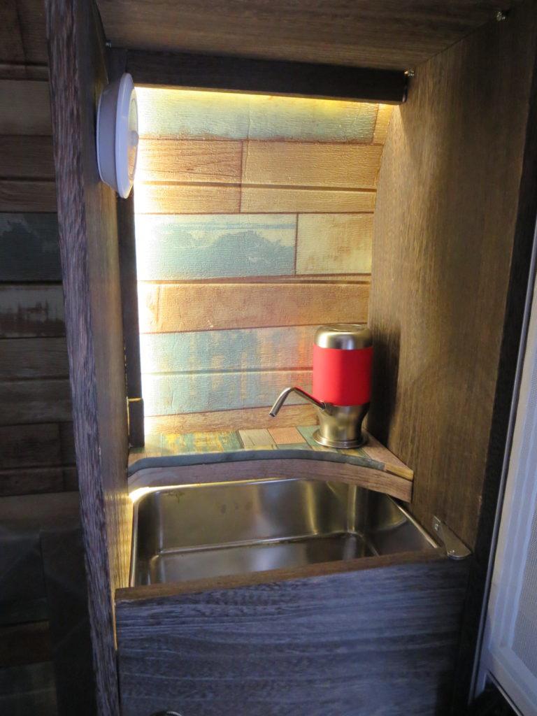 幌馬車くんのギャレー制作DIY(手洗い場)手洗い場