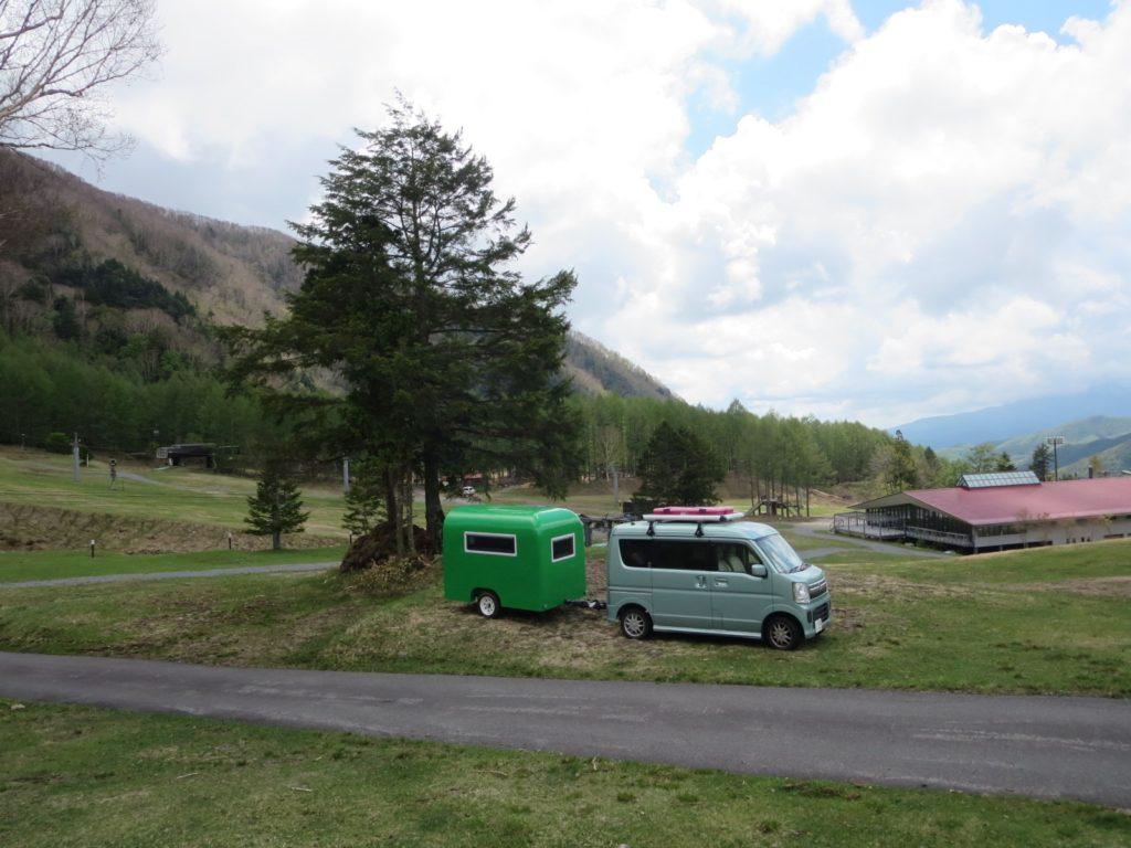丸沼高原オートキャンプ場にエブリィワゴンと軽キャンピングトレーラー 停泊場所