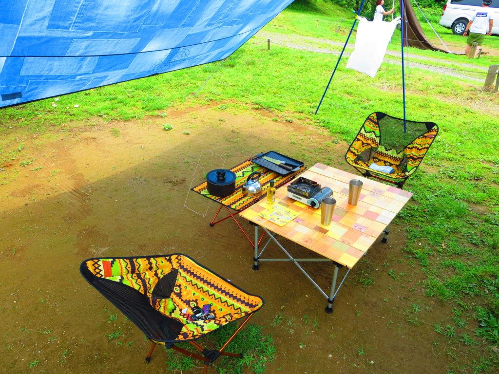 上毛高原キャンプグランドの軽キャンプ テーブルと椅子