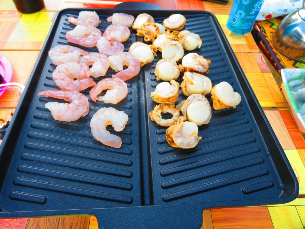 上毛高原キャンプグランドの軽キャンプ サムギョプサル用の鉄板料理