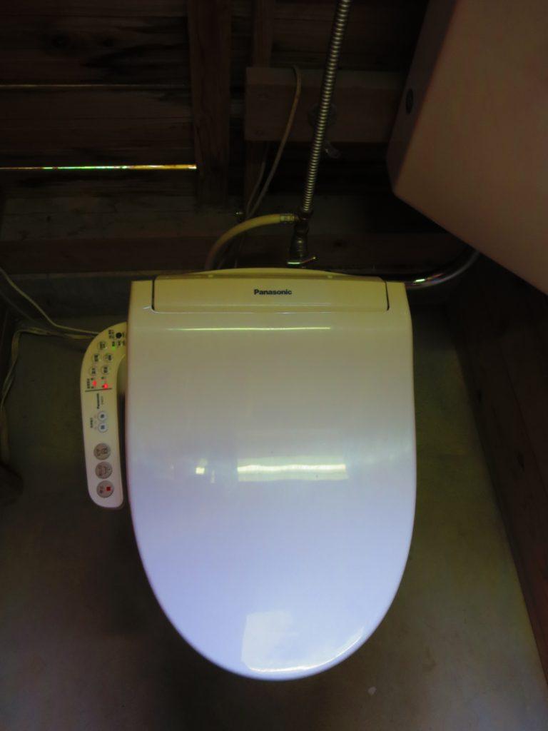 上毛高原キャンプグランドの軽キャンプのトイレ便器