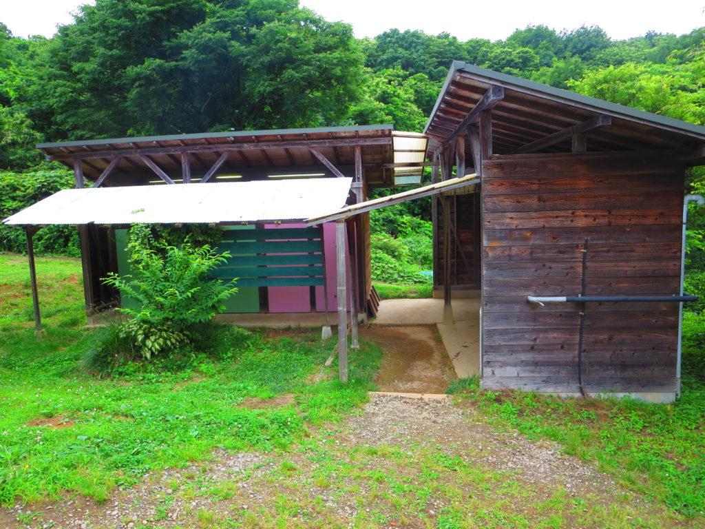 上毛高原キャンプグランドの軽キャンプのトイレ