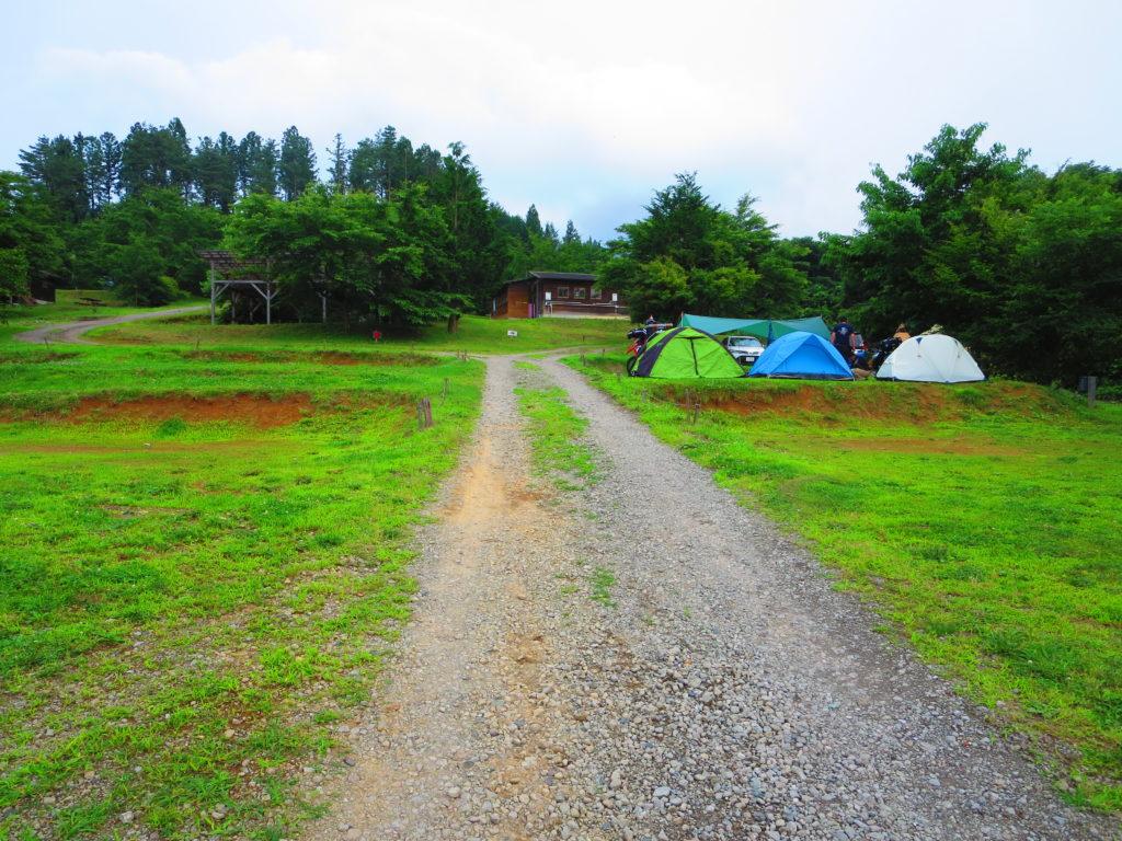 上毛高原キャンプグランドの軽キャンプ サイトの様子