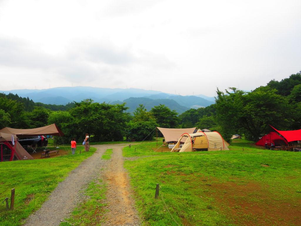 上毛高原キャンプグランドの軽キャンプサイトの様子