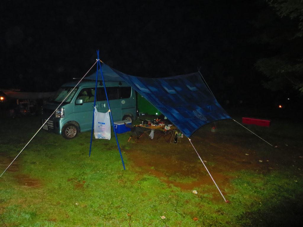 上毛高原キャンプグランドの軽キャンプ夜
