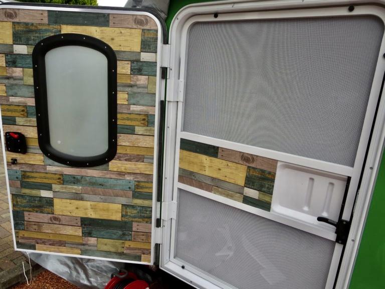 幌馬車くんの扉の装飾(DIY)