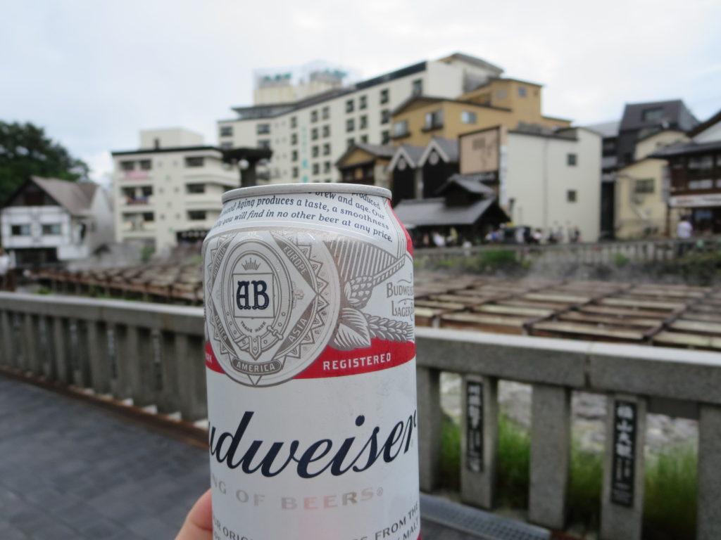 草津温泉、天狗第一駐車場の車中泊の草津湯畑で乾杯ビール