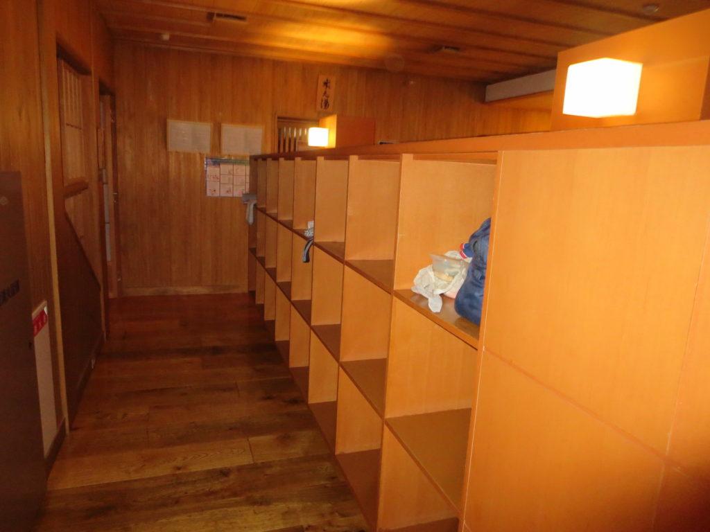 草津温泉 御座之湯の更衣室