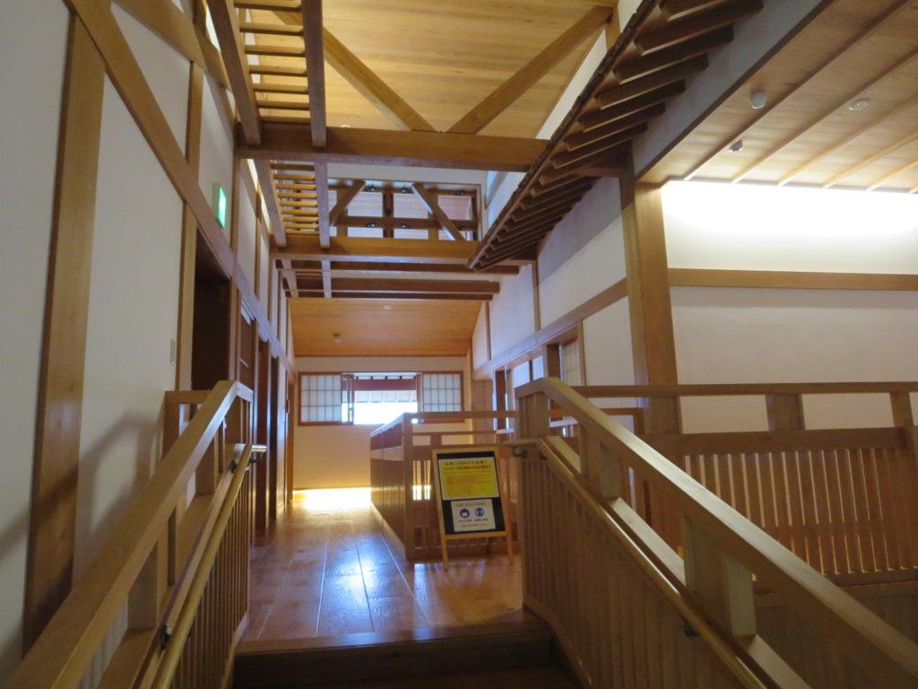 草津温泉 御座之湯の二階階段