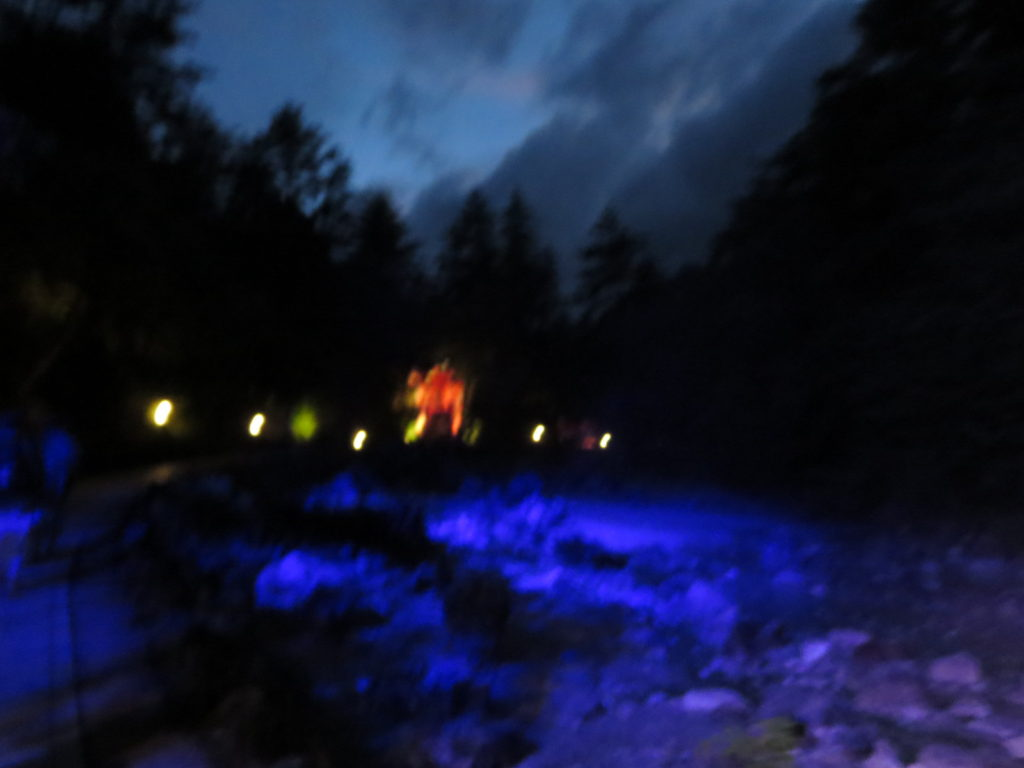 草津温泉、天狗第一駐車場の車中泊の夜の西の河原公園