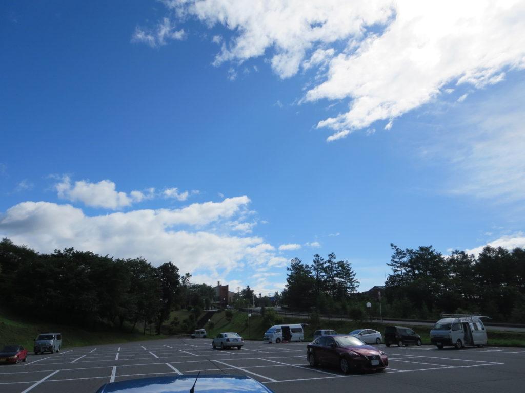 草津温泉、天狗第一駐車場の車中泊の翌朝の駐車場