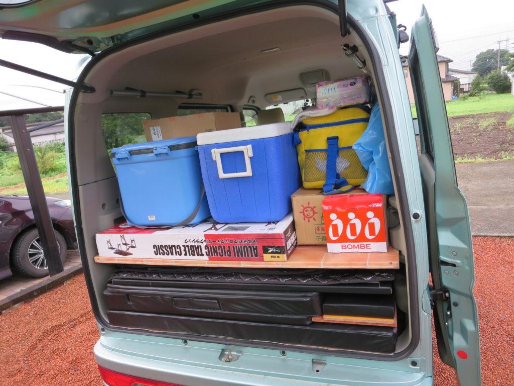蓼の花オートキャンプ場 エブリイワゴンの荷物