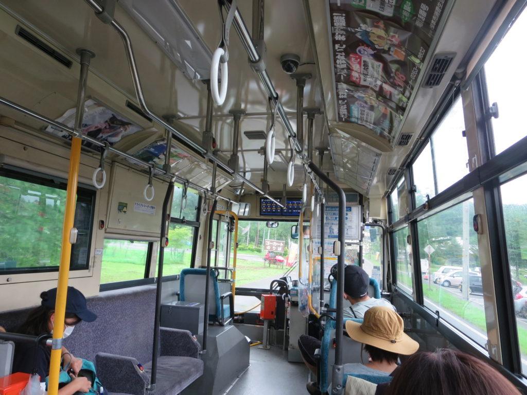 坪庭自然園行のバス中