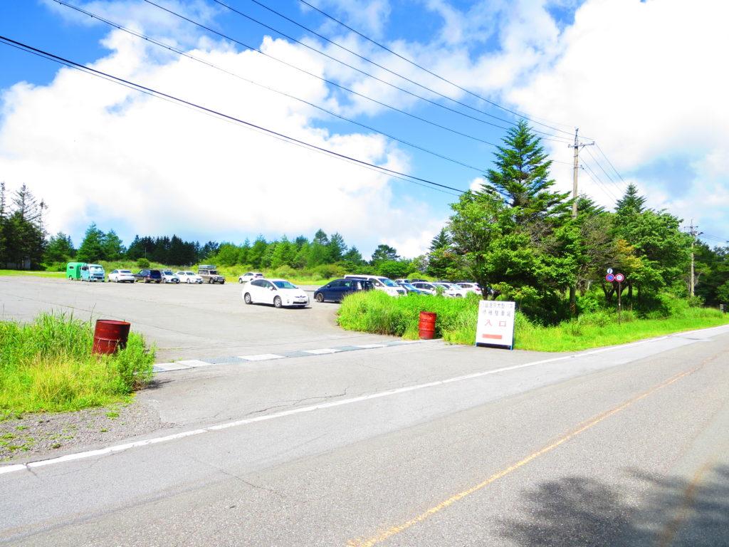 霧ヶ峰キャンプを幌馬車くんで行く 駐車場風景