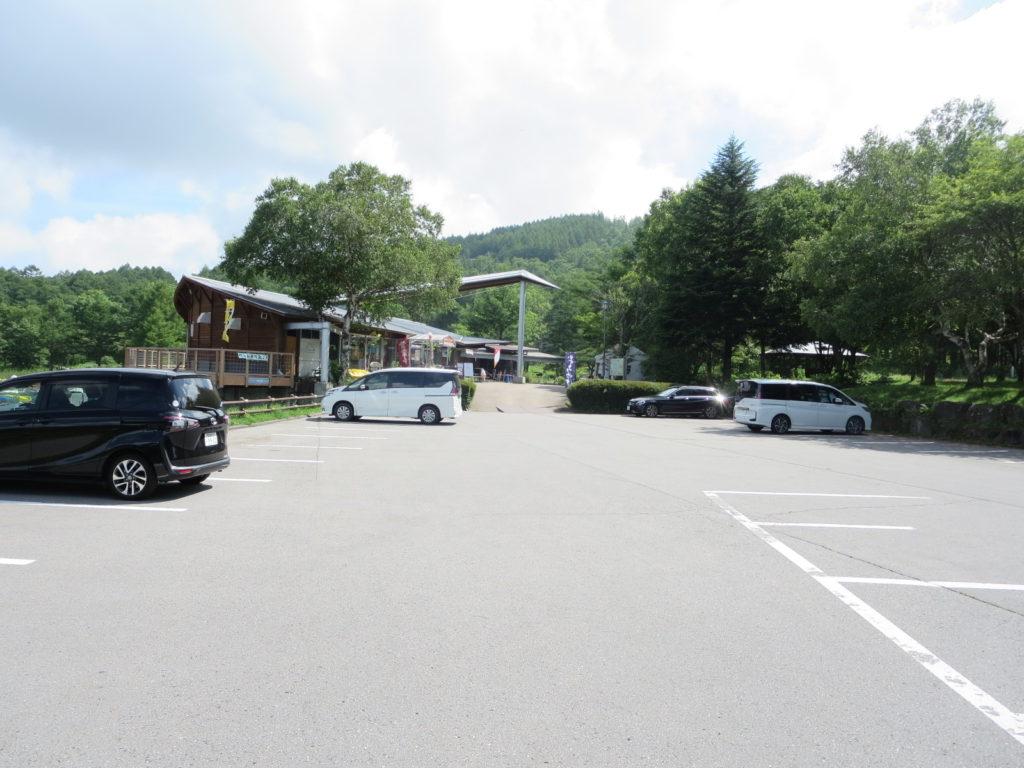 女神湖センターの駐車場