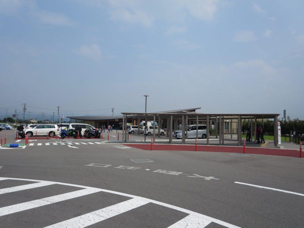 道の駅ヘルシーテラス佐久南 駐車場