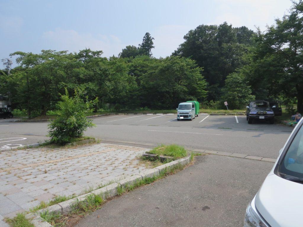 道の駅「ほっとぱ~く・浅科」の駐車場