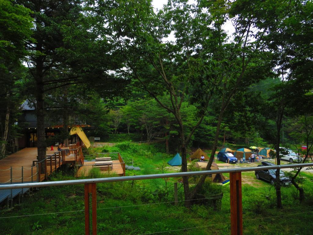 道の駅ビーナスライン蓼科湖のキャンピングトレーラーの幌馬車くん車中泊のキャンプ場