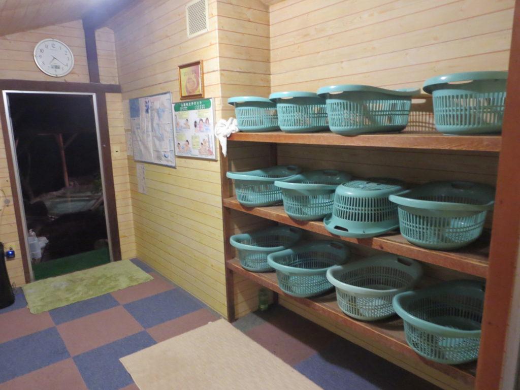 道の駅ビーナスライン蓼科湖の小斉の湯温泉の露天風呂更衣室