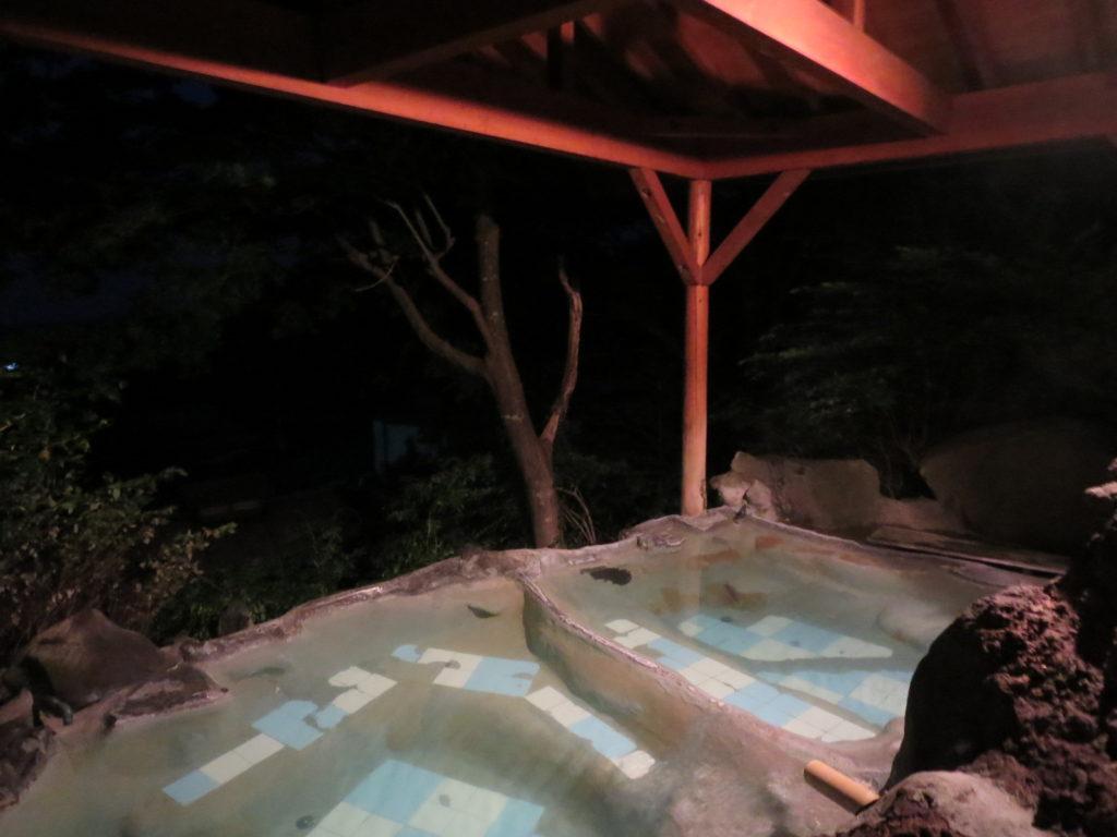 道の駅ビーナスライン蓼科湖の小斉の湯温泉の露天風呂