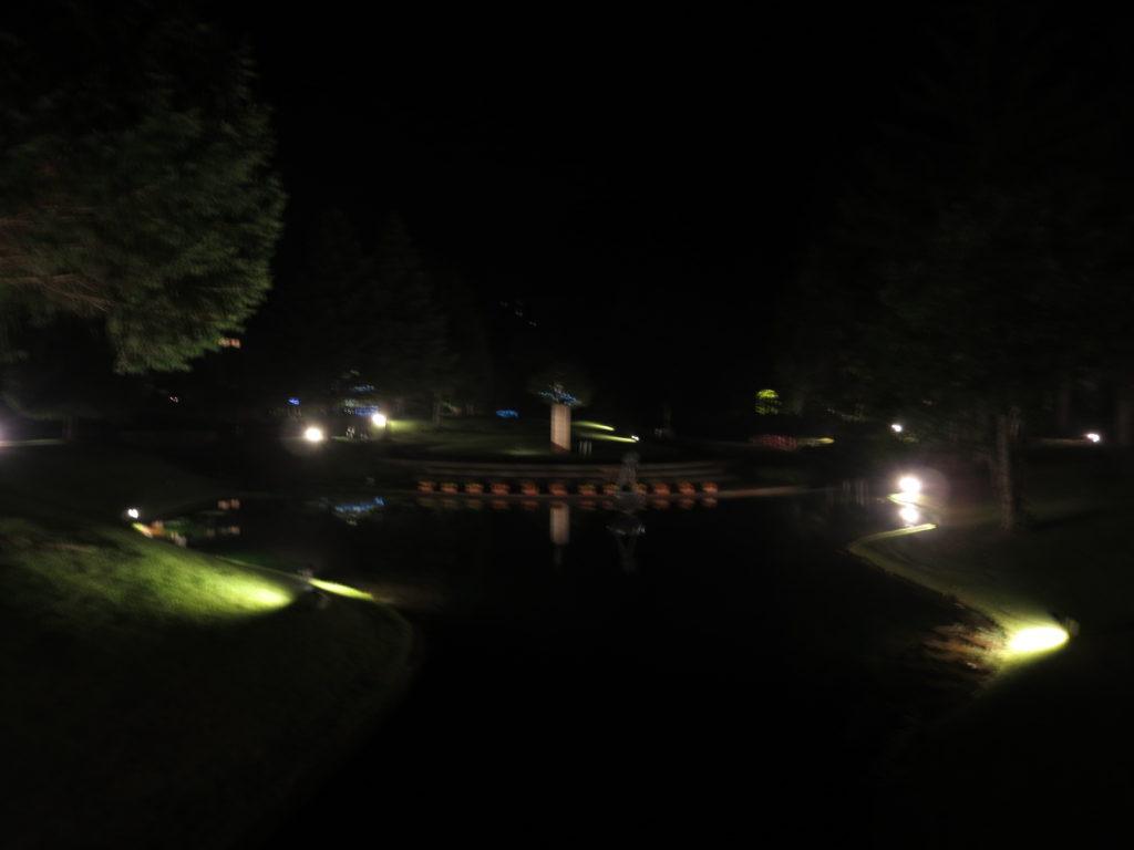 道の駅ビーナスライン蓼科湖の蓼科高原芸術の森彫刻公園ライトアップ