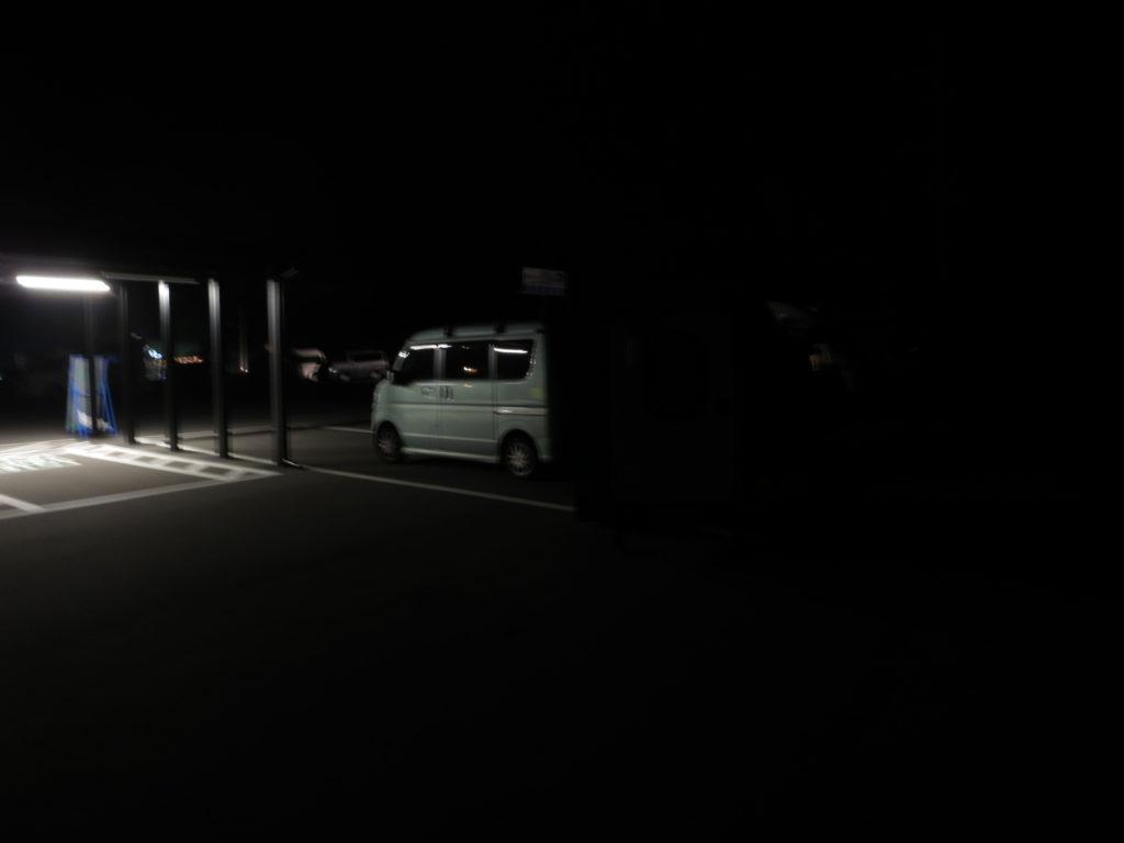 道の駅ビーナスライン蓼科湖のキャンピングトレーラーの幌馬車くん車中泊