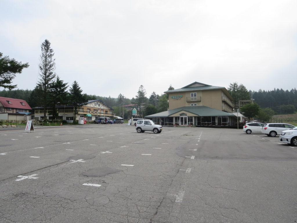 霧の駅スキー場で車中泊とキャンピングトレーラーの幌馬車くん
