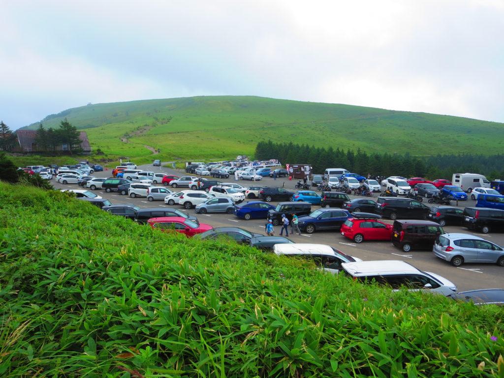 霧の駅スキー場で車中泊とキャンピングトレーラーの幌馬車くん 車山肩の無料駐車場