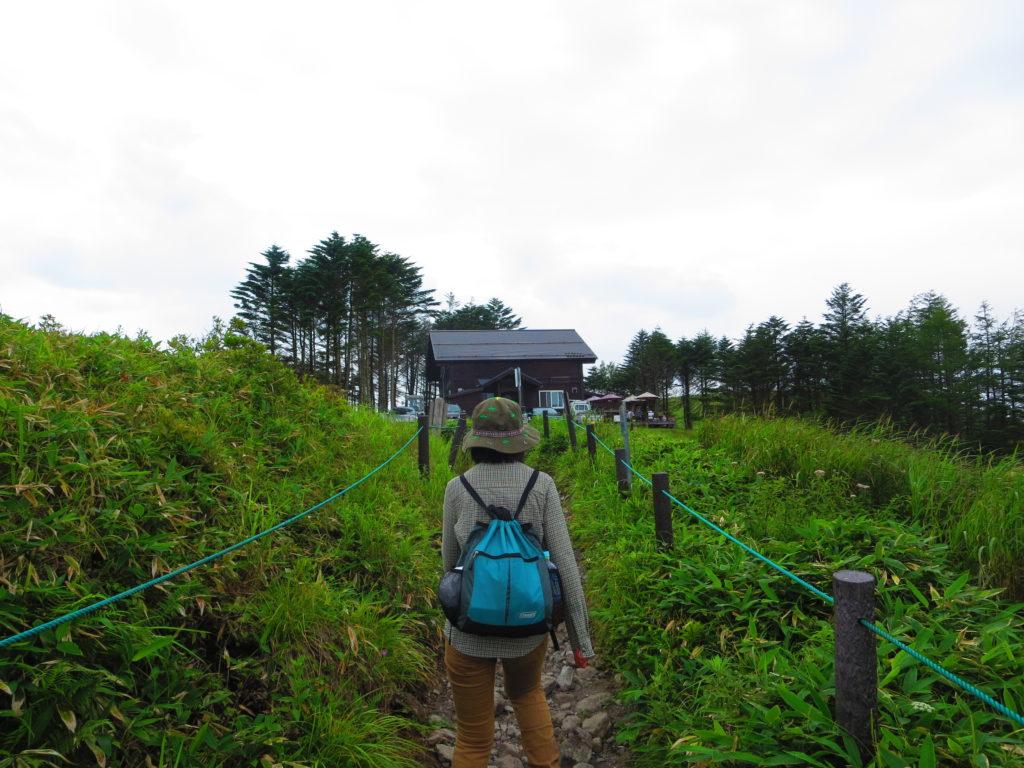 霧ヶ峰ハイキングとキャンピングトレーラーの幌馬車くん 車山湿原ハイキング
