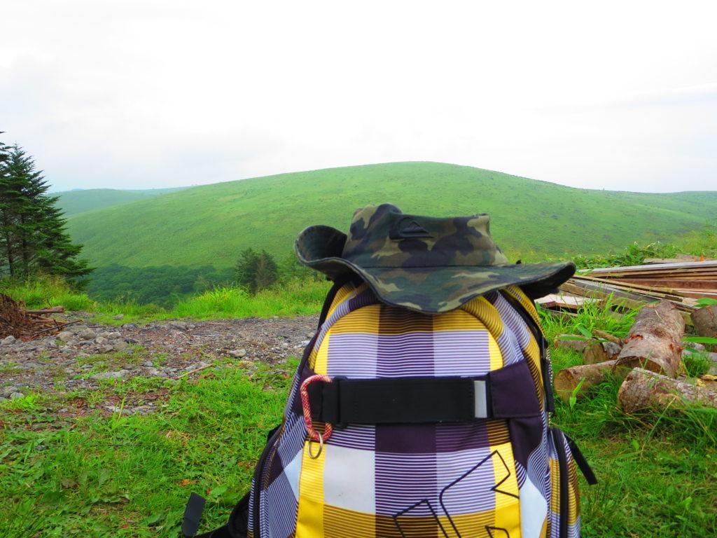 霧ヶ峰ハイキングとキャンピングトレーラーの幌馬車くん ころぼっくるひゅって