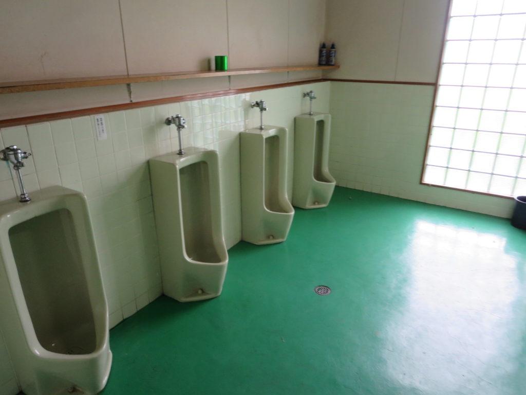 霧ヶ峰スキー場の駐車場車中泊 トイレ