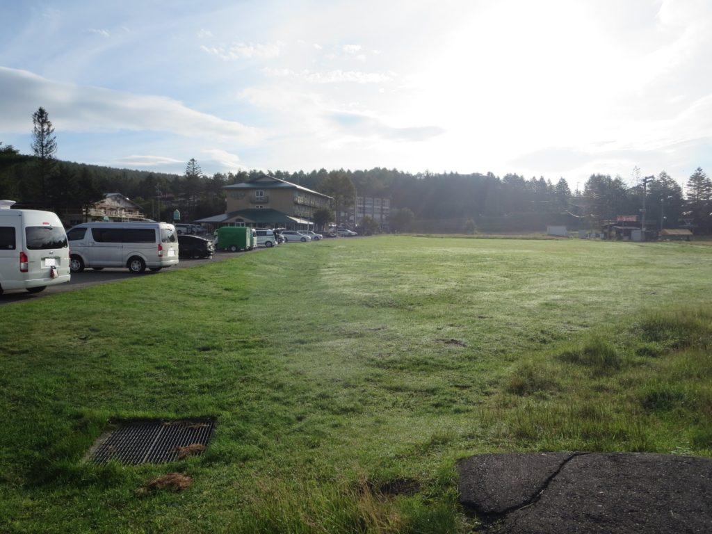 霧ヶ峰スキー場の駐車場車中泊 ゲレンデ側の駐車場