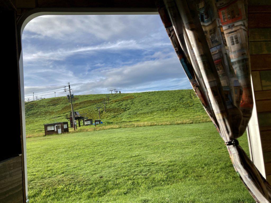 霧ヶ峰スキー場の駐車場車中泊 ゲレンデ風景