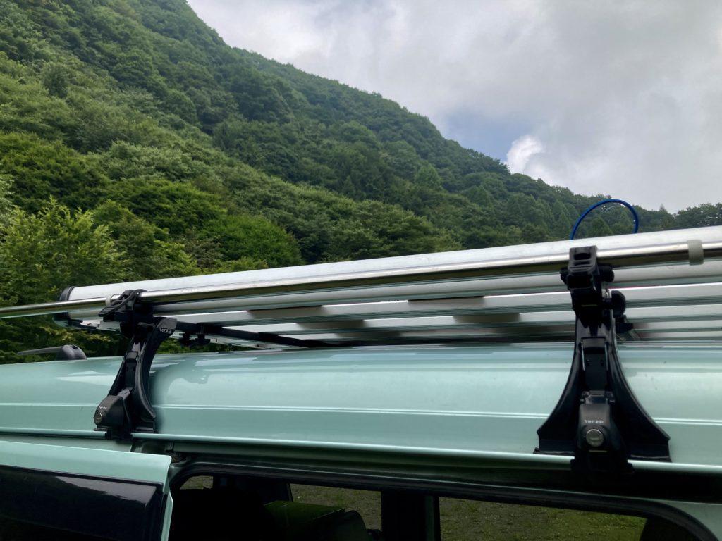 わらび平森林公園キャンプ場を軽キャンピングトレーラーの幌馬車くんでキャンプのタープ車