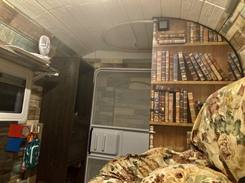 武尊牧場キャンプ場に幌馬車くんの軽キャンピングトレーラーで行く車中泊のキャンプ 幌馬車くんの中