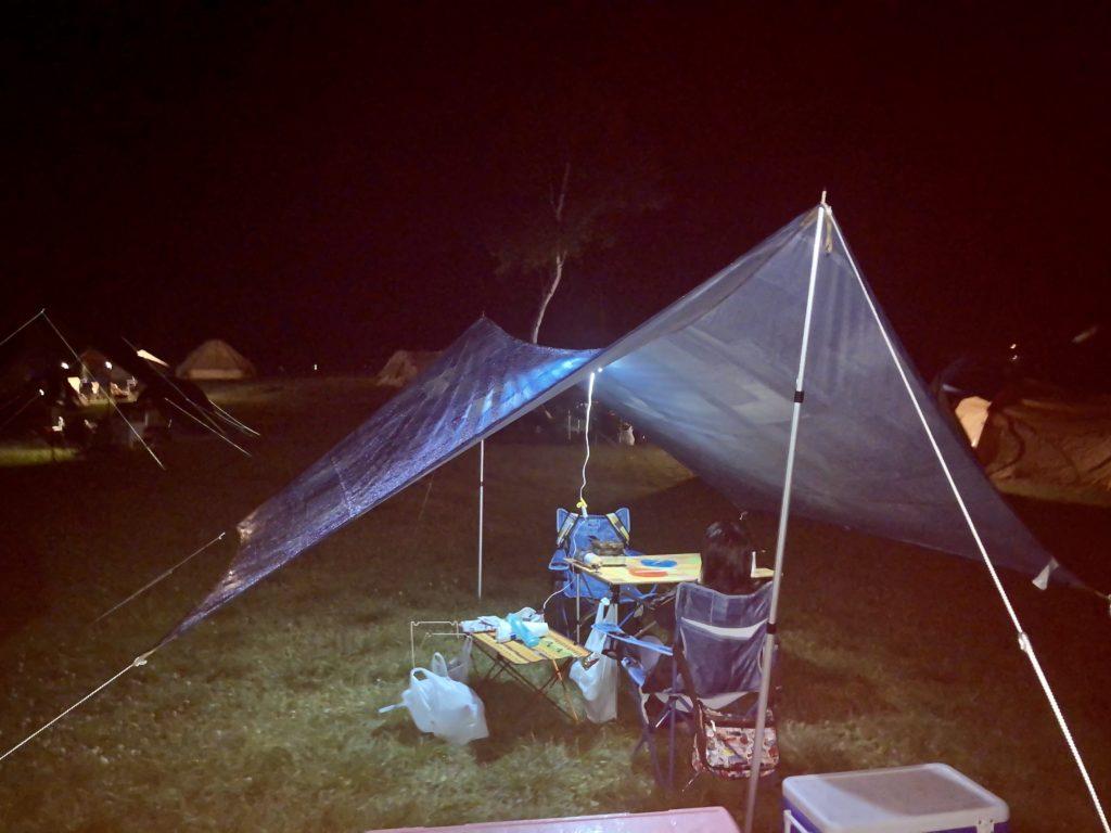 武尊牧場キャンプ場に幌馬車くんの軽キャンピングトレーラーで行く車中泊のキャンプ フリーテントサイト夜