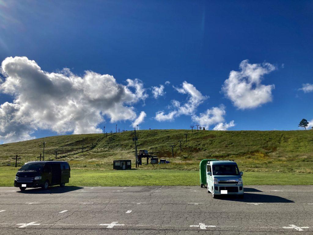 幌馬車くんと行く霧ヶ峰スキー場の車中泊の駐車場