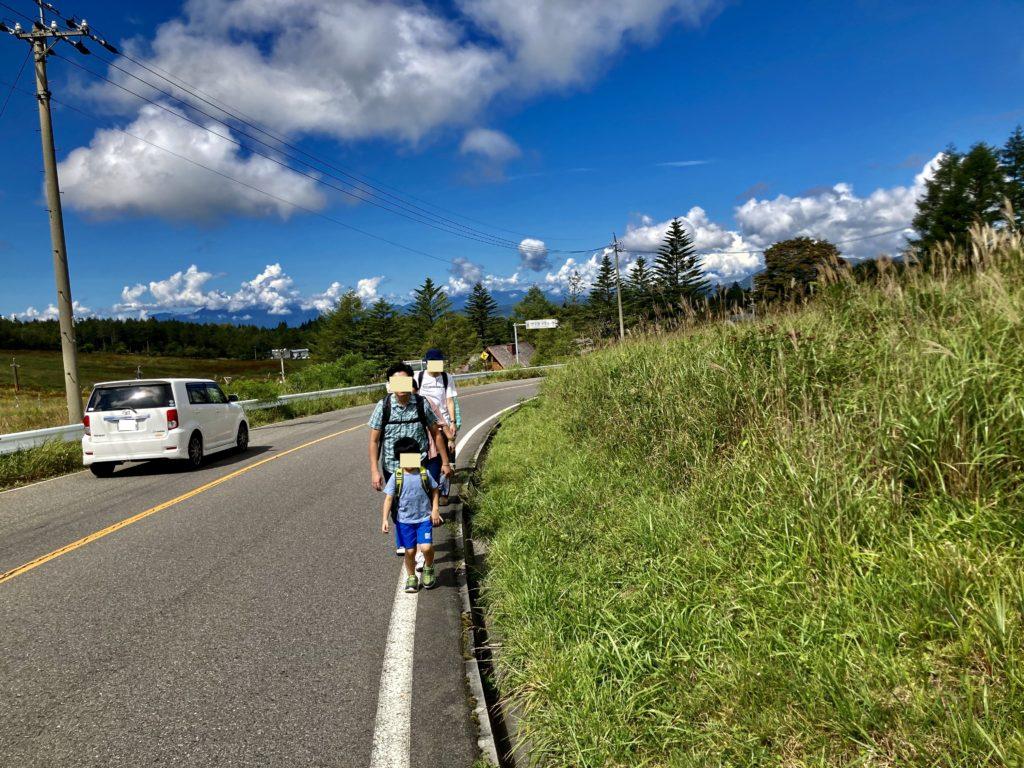 幌馬車くんと行く霧ヶ峰スキー場から霧の駅へ徒歩移動