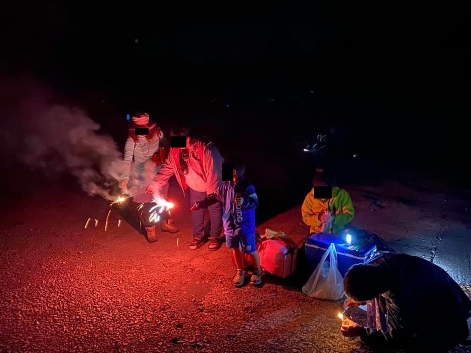 幌馬車くんと行く霧ヶ峰スキー場の車中泊&霧ヶ峰キャンプで駐車場で花火