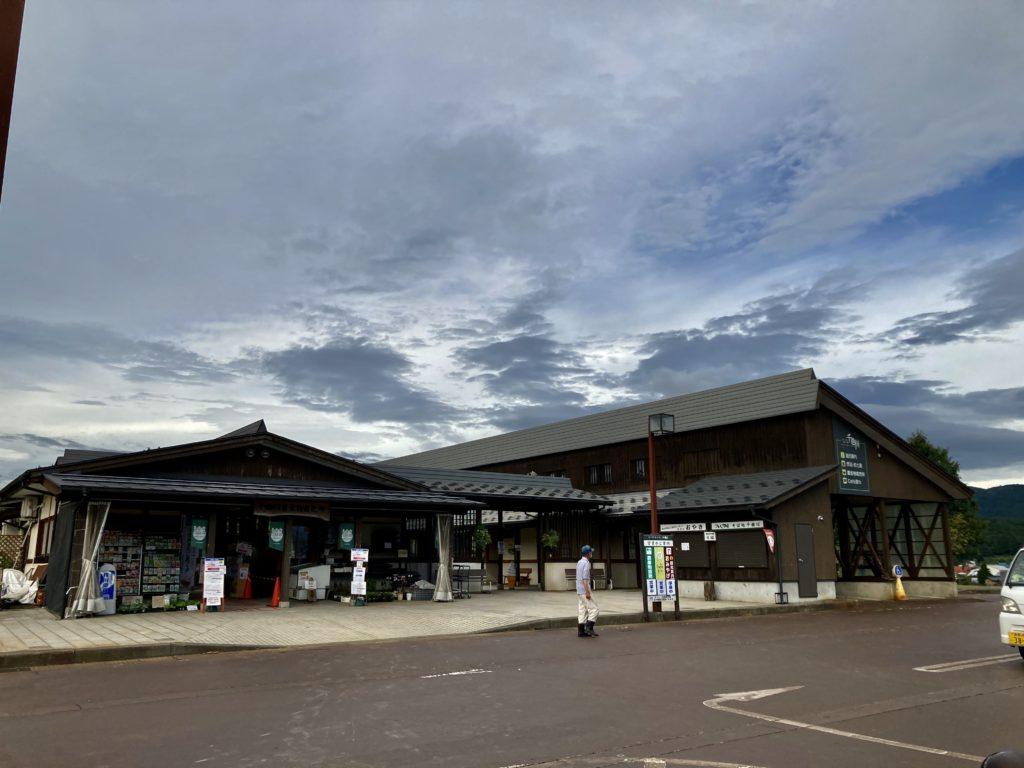 道の駅「花の駅千曲川」の外観