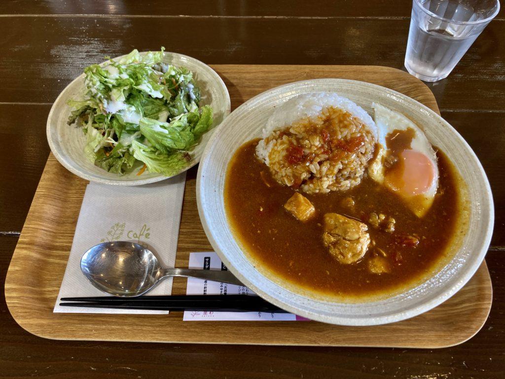 道の駅「花の駅千曲川」のcafe 里わのモーニングのカレーセット
