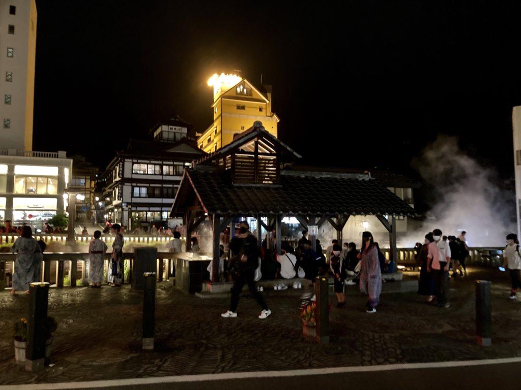 草津温泉の湯畑の夜の写真