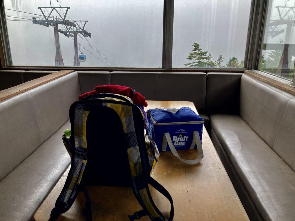 パルコール嬬恋ゴンドラ山頂の無料休憩所