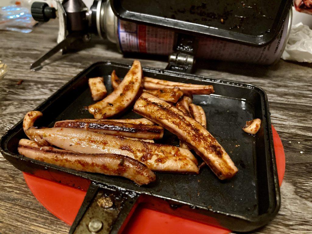 幌馬車くんと行くパルコール嬬恋「駐車場」車中泊でのホットサンドメーカーで作る料理 イカの七味焼き