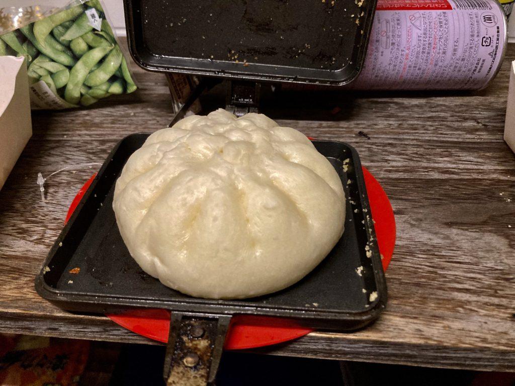 幌馬車くんと行くパルコール嬬恋「駐車場」車中泊でのホットサンドメーカーで作る料理 肉まん 豚まん